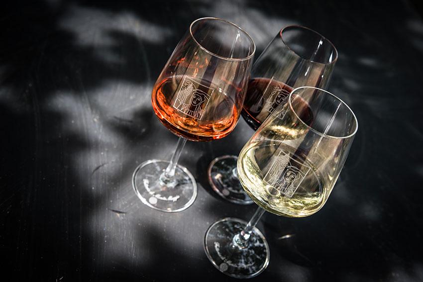 How to Best Enjoy Wine in Summer
